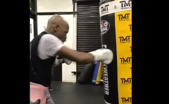 Floyd Mayweather Back In The Gym After McGregor Fight